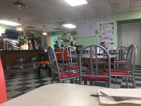 Okmulgee, OK: Old feel diner known for their hamburgers.