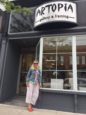 Sarnia, Canada: Storefront with Corinne