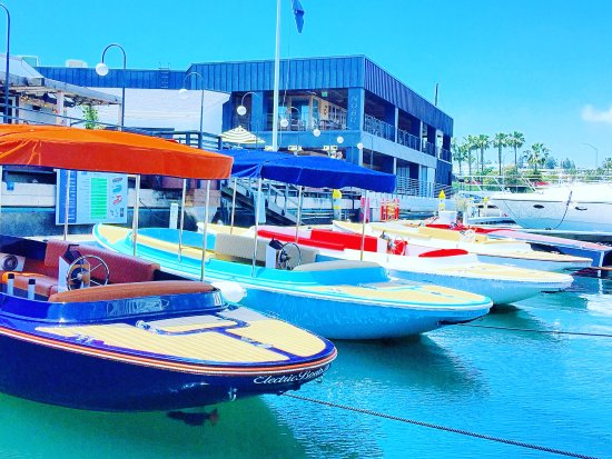 Luxury Electric Boats Available For Rental Picture Of Eb