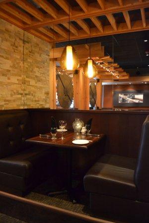 Leduc, Canada: Small Private Tables