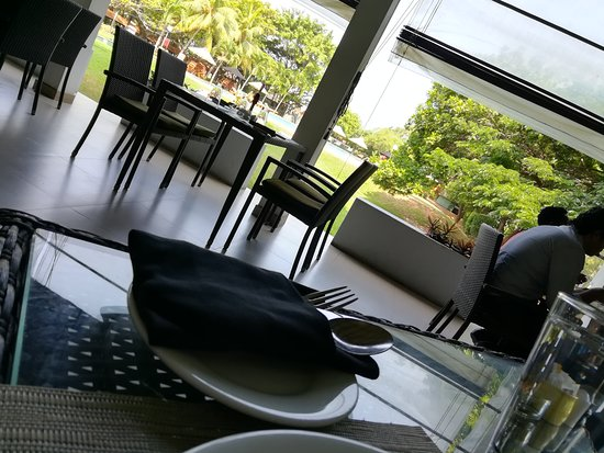 The Gateway Hotel Airport Garden Colombo: IMG_20170424_095925_large.jpg