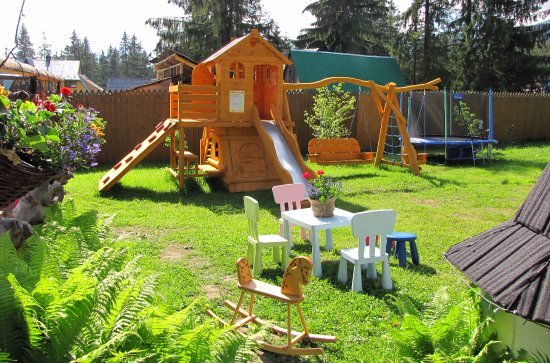 Murzasichle, Polen: Plac zabaw w 1400 m 2 ogrodzie.