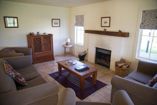 Martinborough, New Zealand: Cottage lounge