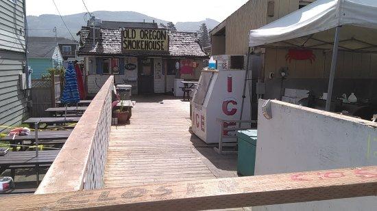 Rockaway Beach, OR: Funky but good food