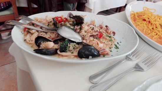 Risotta ai frutti di mare e tagliolini al salmone