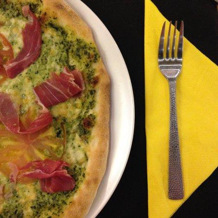 Mislata, Spania: Pizza de pesto