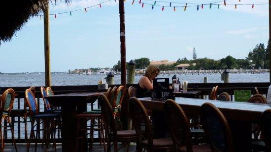 Lantana, Флорида: The outside seating area
