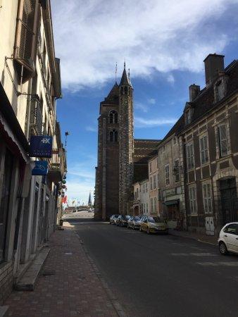 Saint-Jean-de-Losne, Francia: photo1.jpg