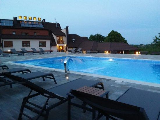 Hotel Degenija : Swimming pool (heated)