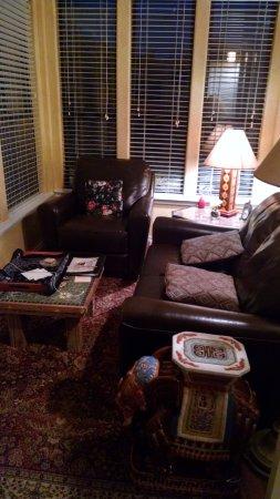 Blair House Inn: Sunroom in the Fort Worth room