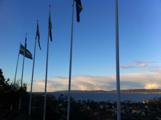 Jönköping, Zweden: beautiful view near national flags