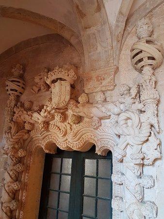 Castelo de Tomar: Window Decoration