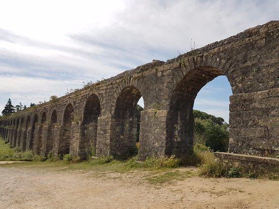 Tomar, Portugal: Pegoes Aqueduct: Architecture Splendor