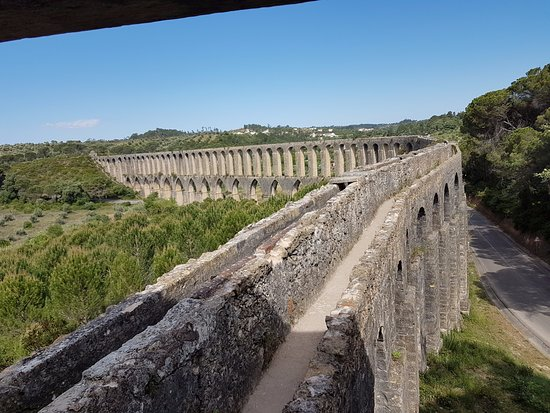 Tomar, Portugal: Pegoes Aqueduct: You can walk on it