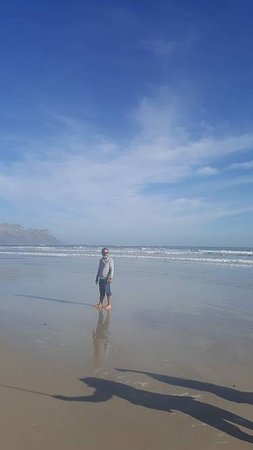 Noordhoek, South Africa: stepping on the sand
