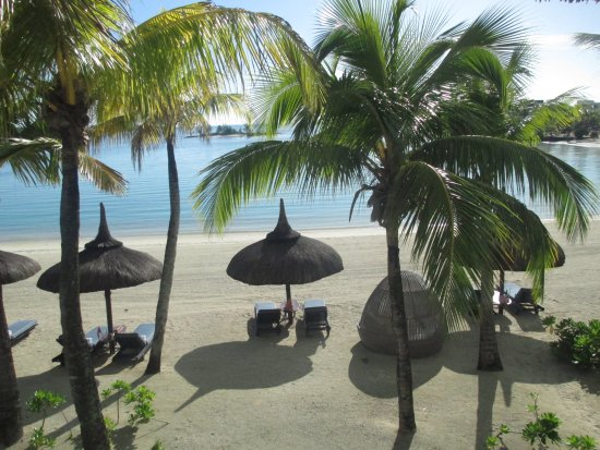 Shangri-La's Le Touessrok Resort & Spa, Mauritius: Beach view from our room