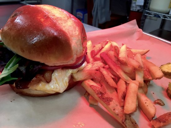 Cashiers, NC: The Brothers Burger with herbed french fries, yum!