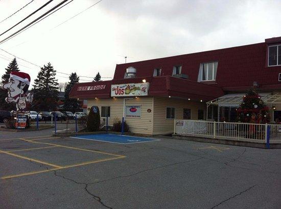 Saint Hyacinthe, Canada : Façade du restaurant Chez Jos à Douville