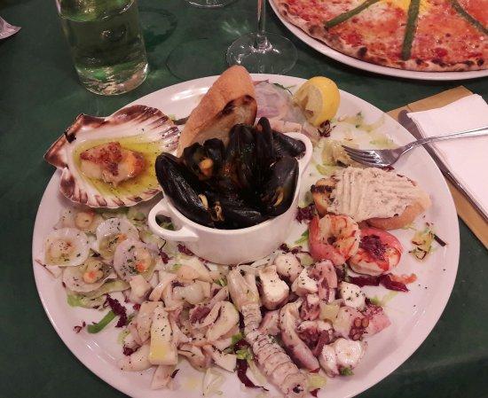 Ristorante Pizzeria Danubio: Un gran antipasto di pesce!!!!