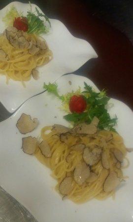 Pfarrkirchen, Germany: FILETTO di  bue con funghi e Tartufo. Spaghetti Tartufati.  Coda di rospo al tartufo.