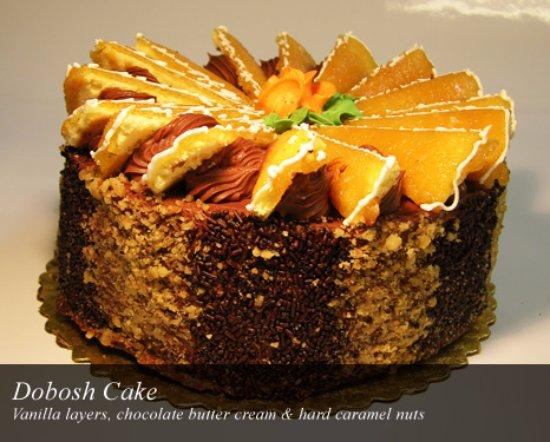 Chocolada Bakery & Cafe: Dobosh Cake
