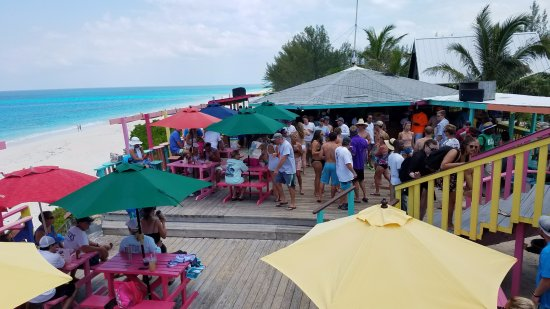 Great Guana Cay: Dancing to the music