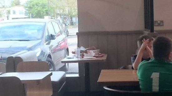 Basildon, UK: 40 mins and still not cleared