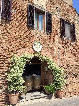 Чертальдо, Италия: IMG-20170523-WA0009_large.jpg