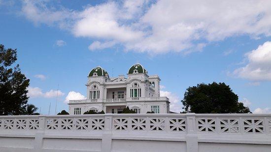 Hostal La Verde : Town