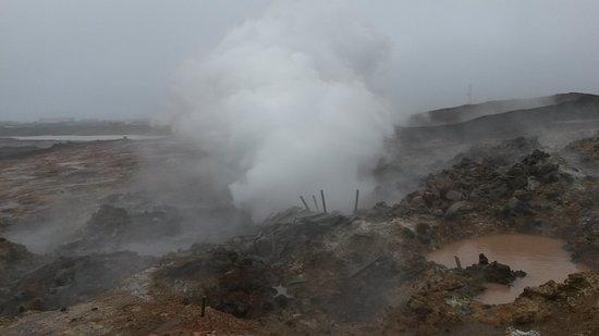 Gunnuhver Hot Springs: Gunnuvher hot springs