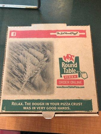 Round Table Pizza: photo0.jpg