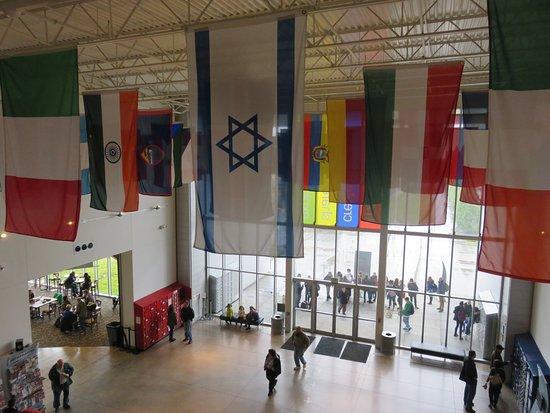 flages マカルティオ フューチャー オブ フライト航空センターの写真