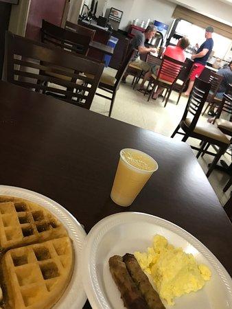 Kenner, LA: Waffles and OJ