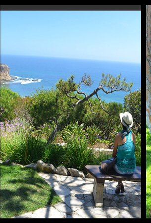 Rancho Palos Verdes, CA: Enjoying a stunning view of the Pacific Ocean from the grounds of the Glass Church