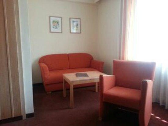 Hotel Sonne: Zusätzliche Sitzgruppe vermittelt Wohngefühl