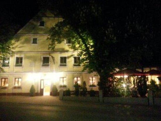 Hotel Sonne: Nachtansicht des gemütlichen Restaurants