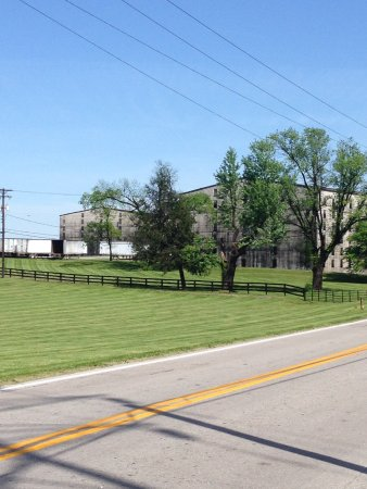 Lawrenceburg, KY: More grounds and operations