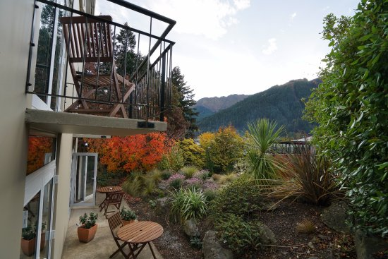 Central Ridge Boutique Hotel: Autumn