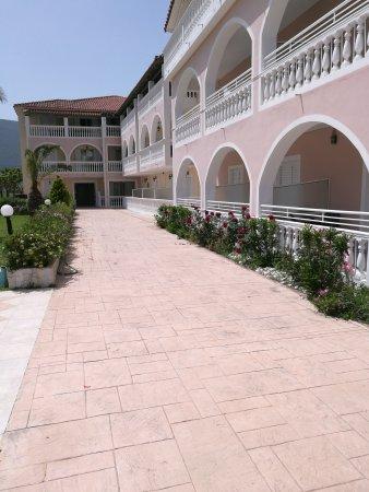 Plessas Palace Hotel: IMG_20170501_141021_large.jpg
