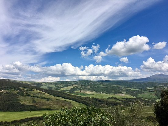 Montalcino, Italien: MORE of the AMAZING view!!
