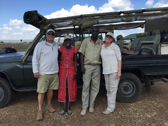 Our amazing guides Gladys and Unyungo at the Serian Mara camp