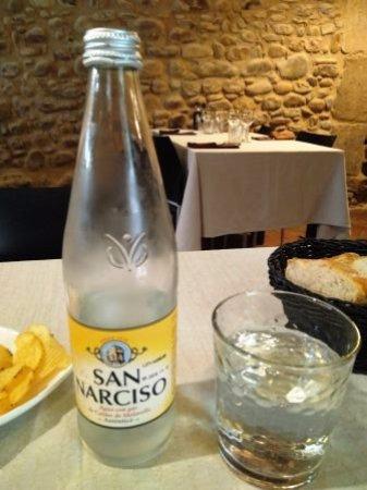 Sarria de Ter, Spain: Agua con gas