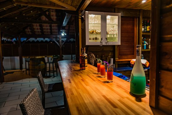 Le Vauclin, Μαρτινίκα: Bar en bord de piscine