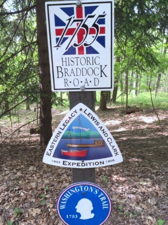 ฟาร์มิงตัน, เพนซิลเวเนีย: Commemorative trail markers