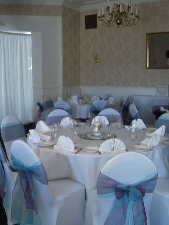Nethway Hotel : set for the wedding buffet.