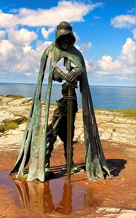Statue King Arthur at Tintagel (Trip Advisor)
