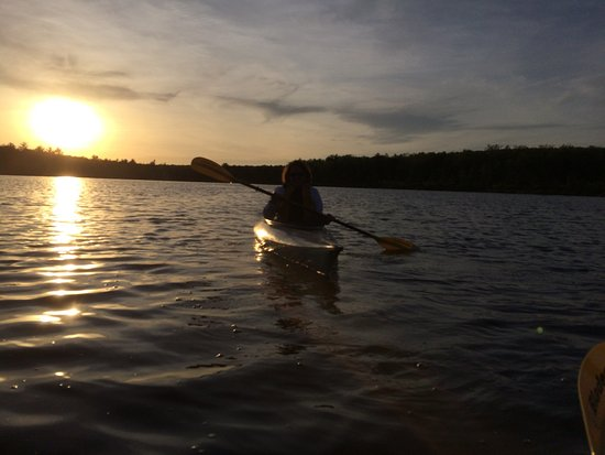 The Lodge at Woodloch: Evening kayaking on lake