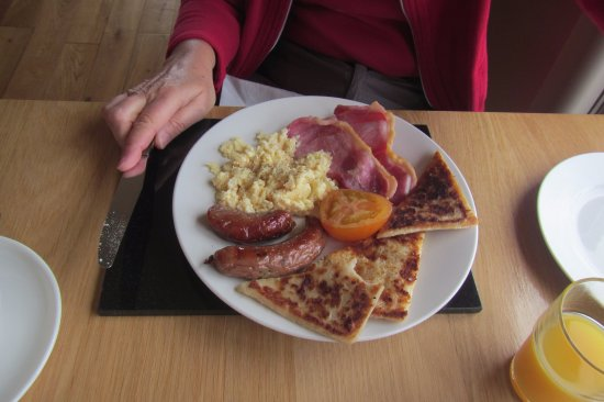 Ardtrabane House: breakfast with scrambled eggs