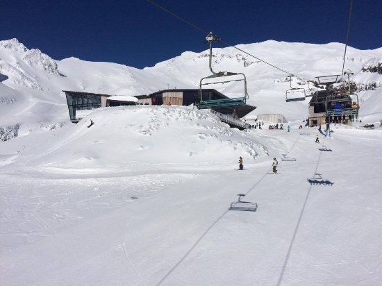 Whakapapa Ski Area: Heading up to Knoll Ridge cafe