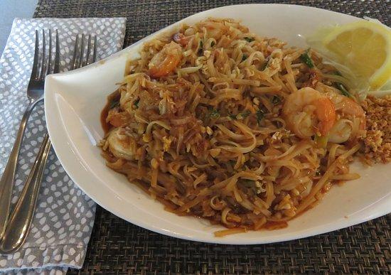Statesboro, GA: Pad Thai @ Coconut Thai for dinner